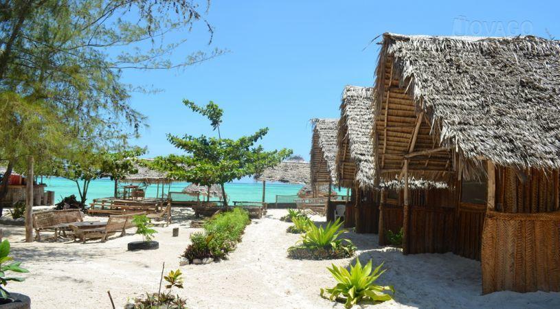 jambo-beach-bungalows-9374-a68493d62e089c807a37cec6608778de07b79d26